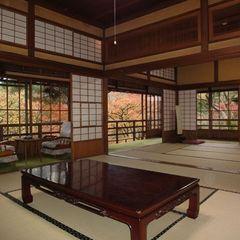 岩崎家別荘時代のお部屋◆庭園からの風に心安らぐ時間〜広々二間続き「晴旭」