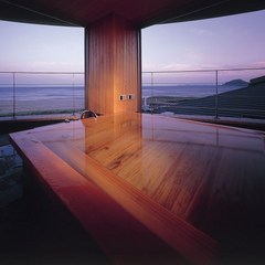2階ひのき露天風呂付【待宵】ベッドルーム10畳+和室10畳