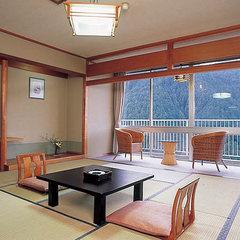 【禁煙】昼食用 窓いっぱいに緑が広がるゆったり和室