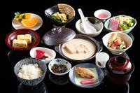 <新メニュー>当館オリジナル ★鶏の甘酒すき焼きの贅沢な夕食と老舗手作り豆腐付き朝食プラン♪