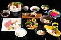 【京野菜の豆乳鍋と霜降り牛一口ステーキ】付き人気京会席の贅沢な夕食と老舗手作り豆腐付き朝食プラン♪