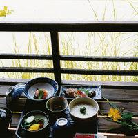 【栗林公園入場券付】ミシュラン3つ星の庭園「栗林公園」で優雅に朝がゆを【朝食付】