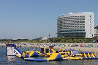 海水浴場「ココナッツビーチ」まで車で15分!夏は南国ムードいっぱいのビーチであそぼう!