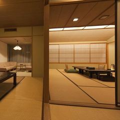 次の間客室12.5+6畳<バス・トイレ付>