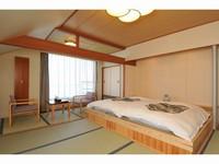 【禁煙】和室小上がり付10畳 バス・トイレ付 瑞雲館
