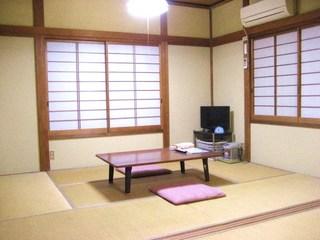 和室12畳(大人3名〜、お子様込みで6名まで)