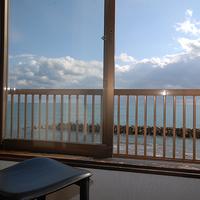 【朝食付き】海から昇る朝日・波の音が1日の始まりの合図♪出張や観光の拠点にどうぞ!<現金特価>