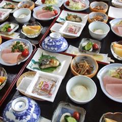 【朝食付】 朝食付  :  夕食なし  / 夕食を外で食べられたいお客様に人気のプランです