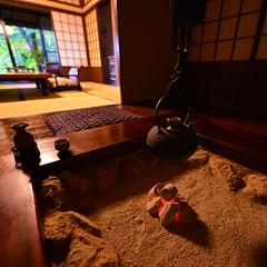 古き良き贅沢空間◆露天付客室【8畳和室+4畳半囲炉裏+露天】