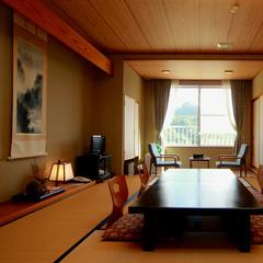 和室12畳 〜自然に囲まれた安らぎのひととき〜
