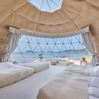 グランピング【シーサイドデッキ】ドーム型テント(直径7m)