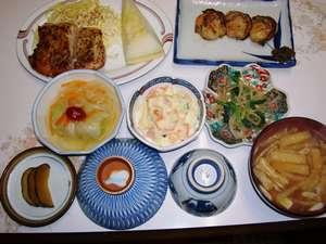 【お先でスノ。】ボリュームアップ☆夕食に郷土料理追加☆リフト・レンタル・スクール・ランチ割引特典付