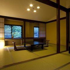 早雲山森林側和室(10畳+6畳)