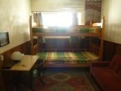 3階 個室(1〜3名様用:2段ベッドとソファ−ベッド)