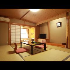 和室10畳【トイレ付き】