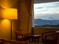 【期間限定 11時チェックアウト】温泉旅プラン〜富士山を眺めるリゾートステイ〜