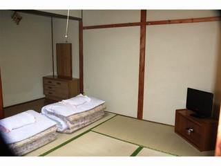 和室6畳(1号室)【1〜3名利用】(バス・トイレ共同)
