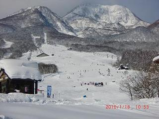 【リフト2日券付】シャトルバス当館目の前停車!スキー&ボード三昧♪夜は日本海の幸で乾杯♪お先でスノ。