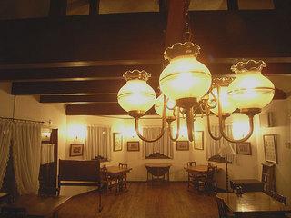 デザイン空間とコース料理&朝はルームサービスで…トラディショナルデザイン キングダブルルーム
