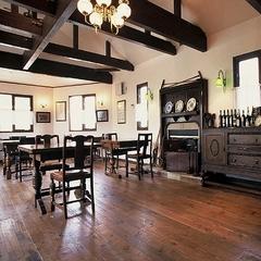 デザイン空間とコース料理&朝はルームサービスで…モノトーンクラシック ダブルルーム