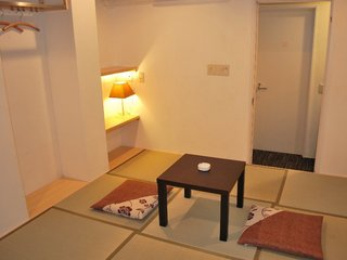 特別和室●優雅な高松繁華街の宿に最適●繁華街のオアシス