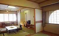 10畳と6畳のゆったり和室