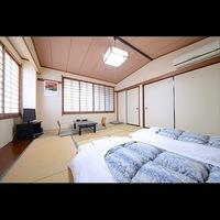10畳間の和室です。4名様までご利用頂けるお部屋です。