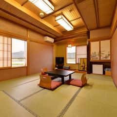 四季折々の景観を愉しむ。和室10畳〜12畳
