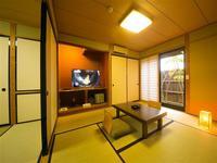 ヒノキをあしらった内風呂付き離れ形式の和室