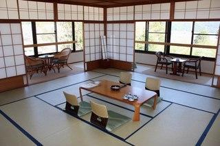 和室 お部屋の広さはおまかせ お食事会場「囲炉裏端」