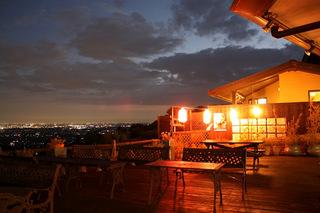 シンプルステイ【朝食付きプラン】関東平野に注ぎ込む穏やかな光を感じながらゆったり朝食を。
