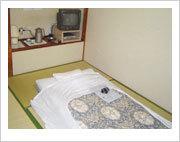 和室6畳バストイレなし・地デジ19型TV・無料WI−FI完備
