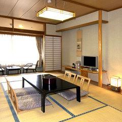 【禁煙】本館和室12畳(山側)