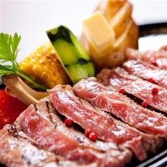 【厳選】料理長が選んだ黒毛和牛・ほてい屋特製ステーキ会席を味わう【禁煙】