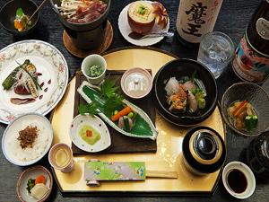 【源泉貸切風呂5湯無料!】春の味覚満載!豪華グルメプラン