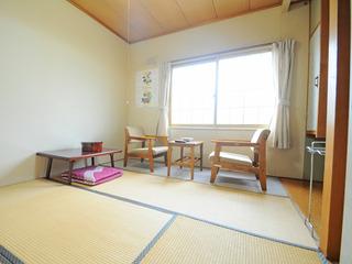 和室4.5〜16畳(喫煙)
