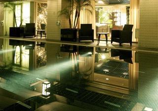 【プールを楽しもう!】プライベートなプール空間を優雅に満喫!