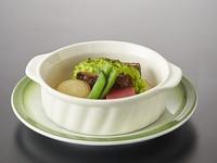 春の訪れを感じられる色彩豊かな会席料理〔箱根の膳・春〕