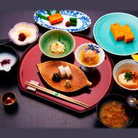 【基本プラン】源泉内風呂付き離れで過ごす玉庭の休日。日本庭園の四季を眺め、部屋食で懐石料理を堪能