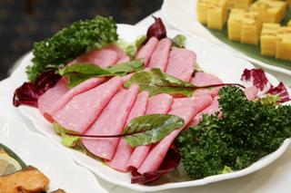 【朝刊かミネラルウオーターが選べる】やすらぐ特典プラン!和洋食バイキング朝食付き