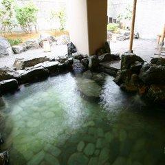 【出張最終日はちょっと贅沢に】フットケアや温泉で癒しのご褒美。身体にやさしいお料理で内側からもケア