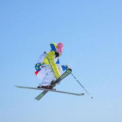 【スキーパック】車山高原スキー場◇2日リフト券付/ゲレンデまで送迎あり!<1泊2食付>