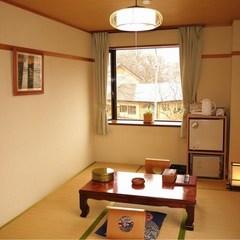 お部屋狭め【和室8畳または洋室8畳】