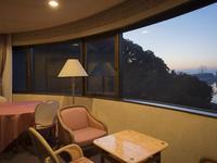 【禁煙】パノラマレイクビュー洋室37平米【湖側】