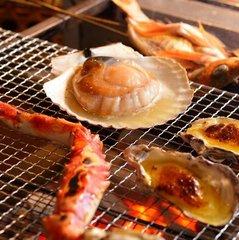 『さざ波』★五感で楽しむ♪アッツアツ海鮮炭火焼をお腹一杯食べるなら★選べる海鮮炭火焼