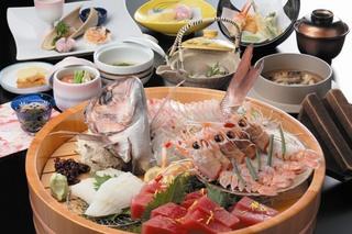 【お料理で選ぶ】新鮮☆旬魚の姿造りも付いてきます♪「浜名湖の幸桶盛り」付会席プラン