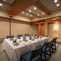 【夕食・個室食確約】【萩】福島牛すき鍋・伊勢海老雲丹焼・鮑ステーキが一度に楽しめる贅沢会席プラン
