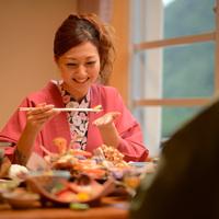お部屋de夕食【私のキレイが家族の幸せ♪】美肌の湯満喫!働く女性応援3大特典付きプラン♪