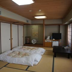 【喫煙】和室12畳〜尾道水道を望む海側〜(2〜5名様)