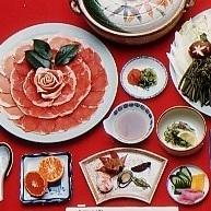 【当館人気】北山名物の天然のイノシシお部屋でぼたん鍋(刺身付き)冬の京都を訪ねてみてはいかが